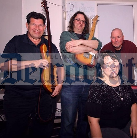 04 09 19 PCC Music Night - Joanna and band