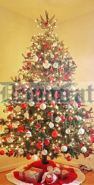 11 11 19 Themed Holiday Trees Return to Museum