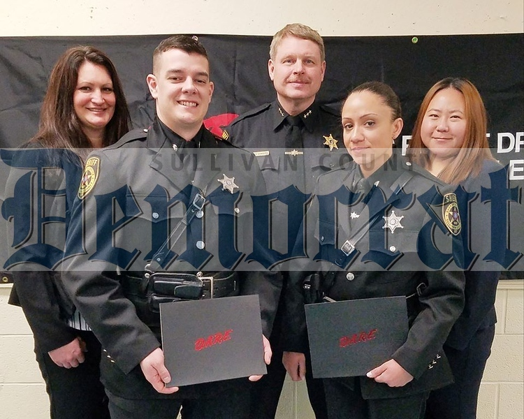 01 27 20 School Resource Officers graduate from DARE instruction