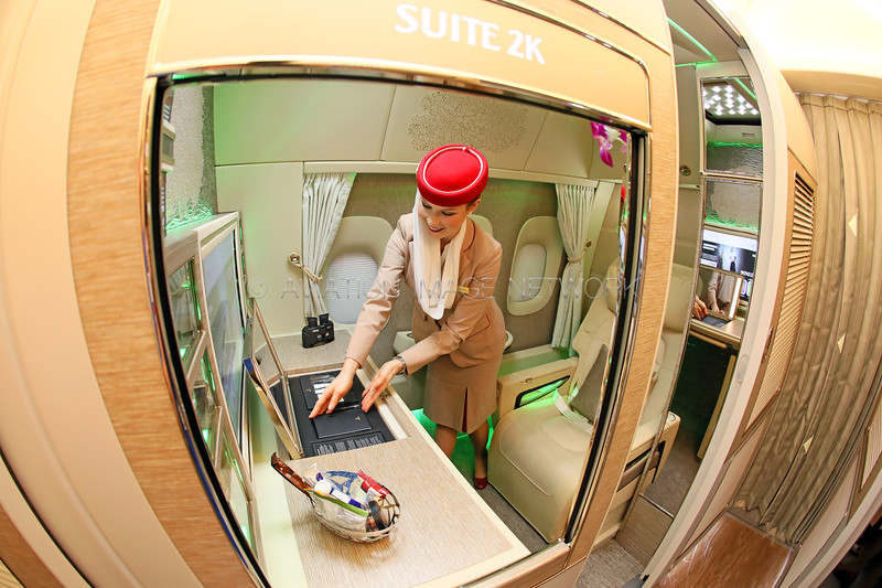 "Emirates Boeing 777 ""Game Changer"" new First Class Suite"