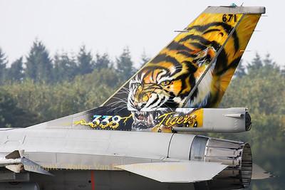 RNoAF_F-16AM_671_6K-43_FLO_EHVK_20101013_IMG_23973_WVB_2500px