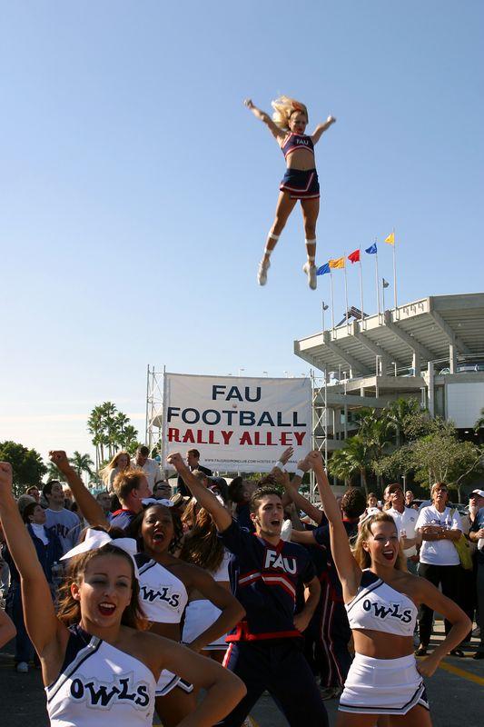 FAU Football vs FIU 23nov02 051