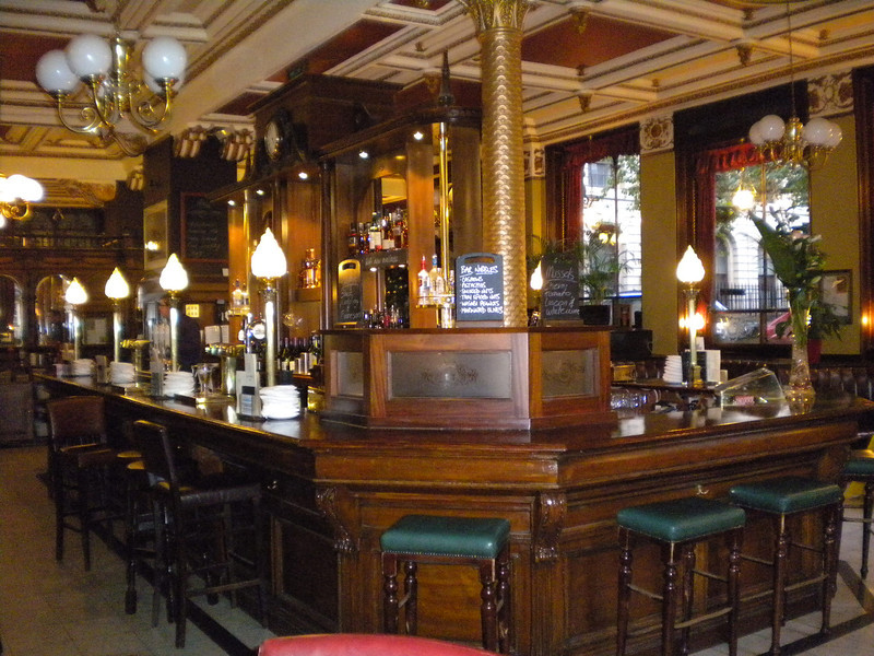 The circular bar of the Cafe Royal