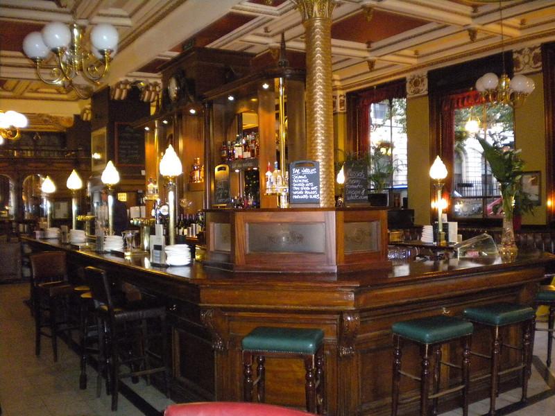 The circular bar of the Cafe Royal