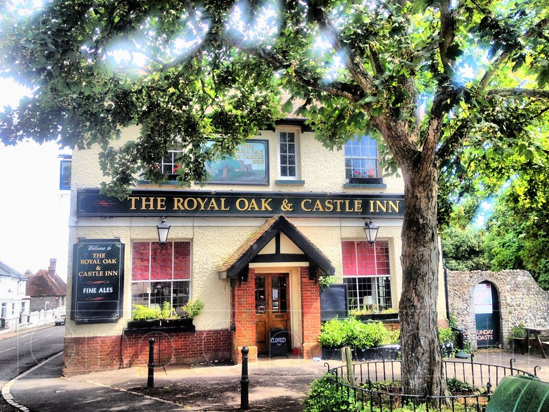 The Royal Oak and Castle Inn