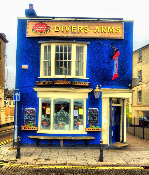 Divers Arms