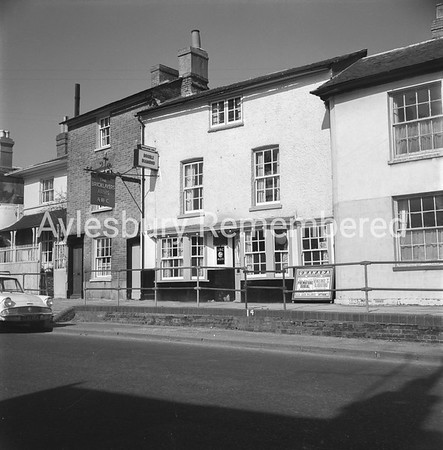 Bricklayers Arms, Walton Terrace