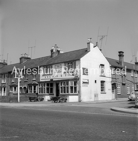 Hop Pole, Bicester Road, 1963