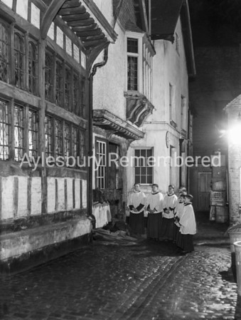 Choirboys outside King's Head, 1950s