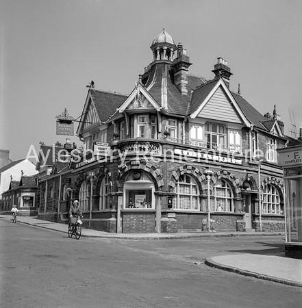 Railway Hotel, Great Western Street, 1963