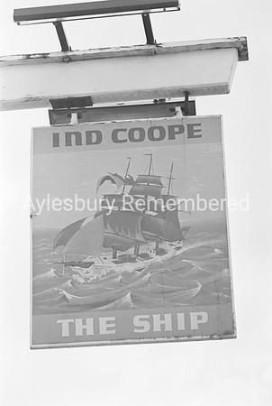 The Ship pub sign, Sep 1979