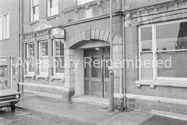 Victoria Club, Kingsbury, Nov 1976