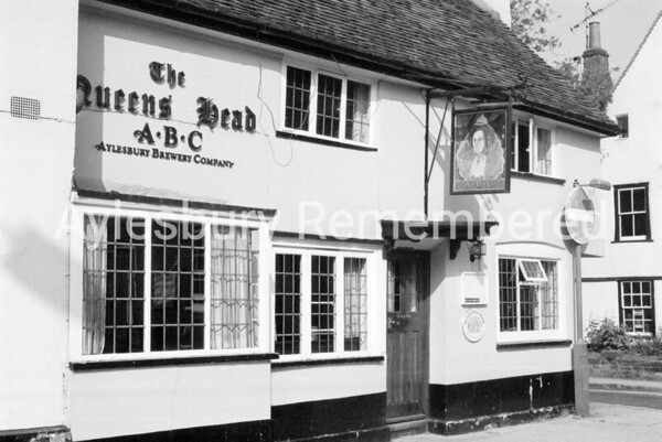Queens Head, May 1984