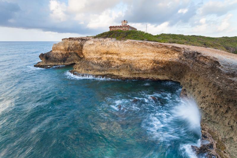 Puerto Ferro Cliffs