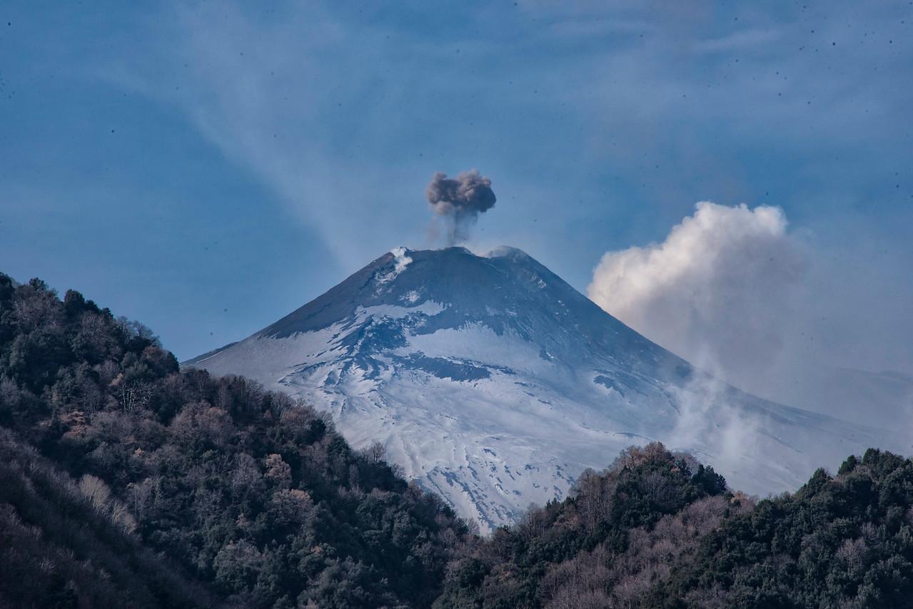 160-Etna smoking