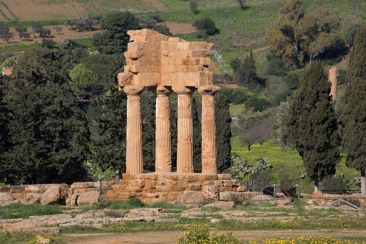 289-Temple_of_CastorPollux_Dioscuri
