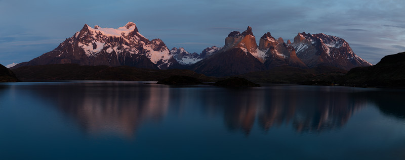 5:18am, across Lahe Pehoe to the Torres del Paine massif.