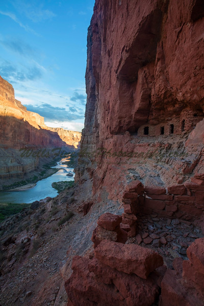 Nankoweep Granary Vertical, Grand Canyon