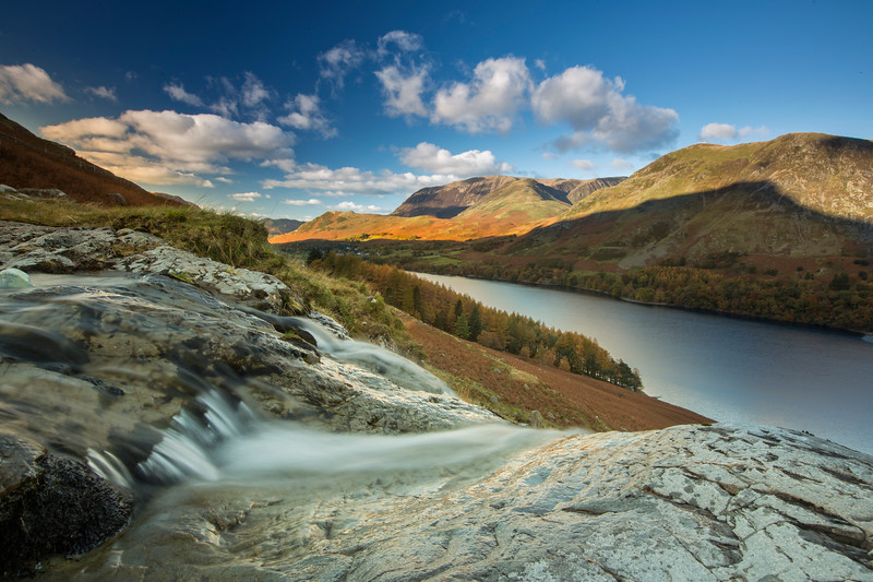 Lake Buttermere - Waterfalls and mountains