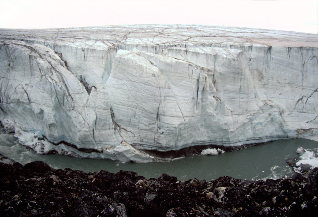Inherently moving ice face of the Greenlandic Inland ice sheet, Nuqssuaq