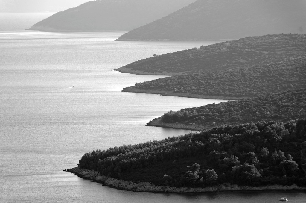 Looking over the sea from Doli to Otok Olipa