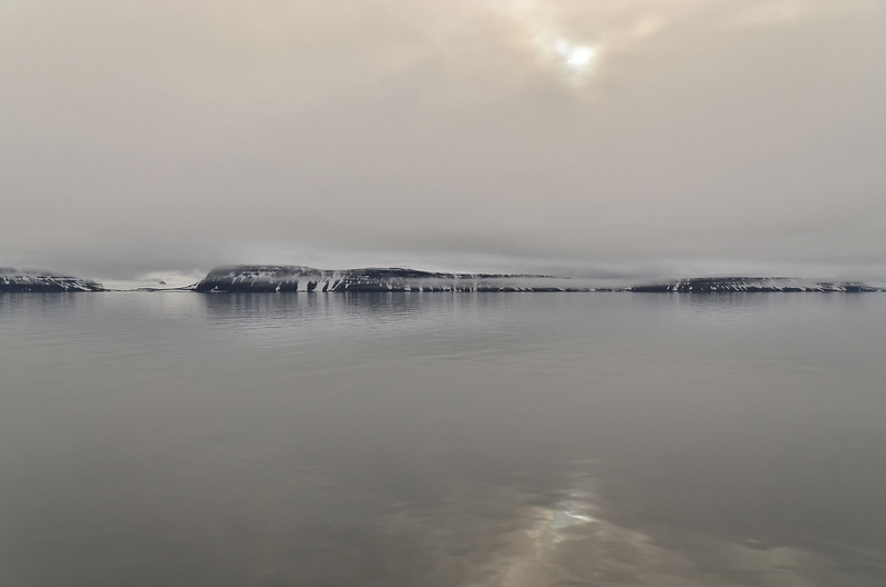 N coast of Nansen Island