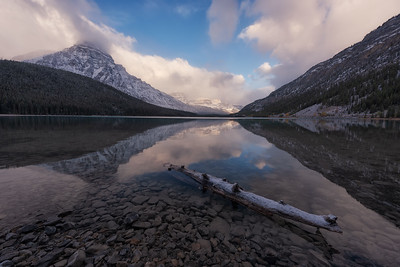 Waterfowl Lake, Banff National Park. Alberta, Canada.
