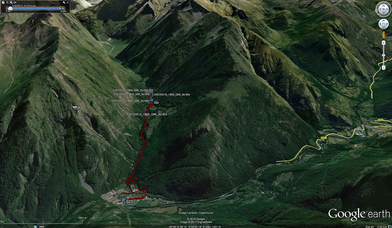 Hike up the Vallee De Barrada (Red)