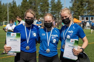 Nuoret naiset hopeaa - Silja Yli-Hietanen, Vilma Pesu, Kaarina Nurminen