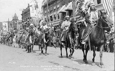 Native, Americans, Round, street, parade, downtown, Pendleton, Oregon, 1911