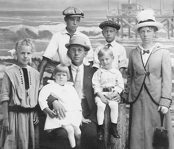 Sea, Side, Oregon, 1914