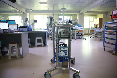 2021 оны тавдугаар сарын 27. ЭМЯ-наас УГТЭ-т уушги, зүрх орлуулагч ECMO аппаратыг хүлээлгэн өглөө.  ГЭРЭЛ ЗУРГИЙГ Д.ЗАНДАНБАТ/MPA