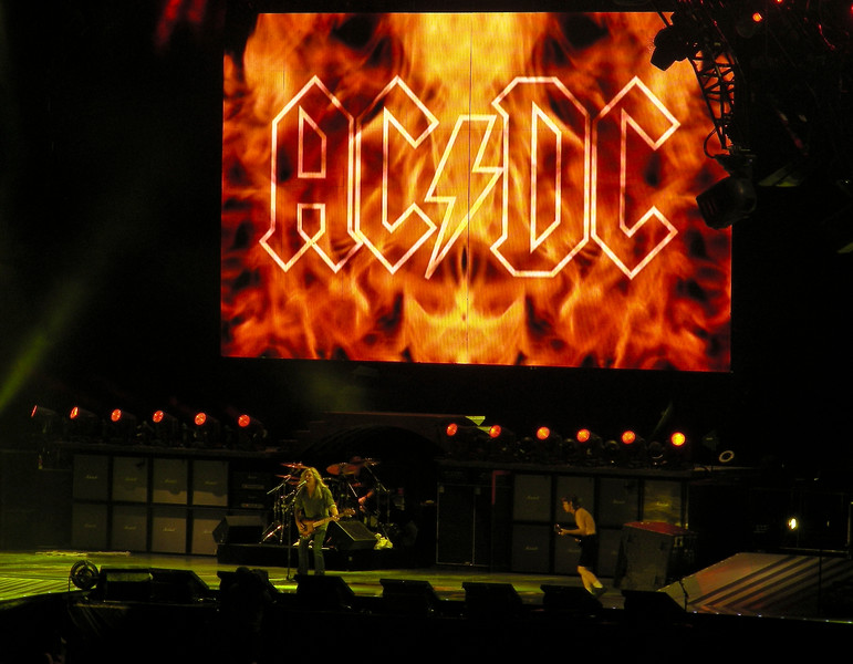 AC DC<br /> <br /> August 26,2009<br /> Commonwealth Stadium<br /> Edmonton, Alberta