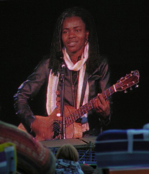 Tracy Chapman<br /> <br /> August 5, 2009<br /> Edmonton Folk Festival<br /> Gallagher Park<br /> Edmonton, Alberta