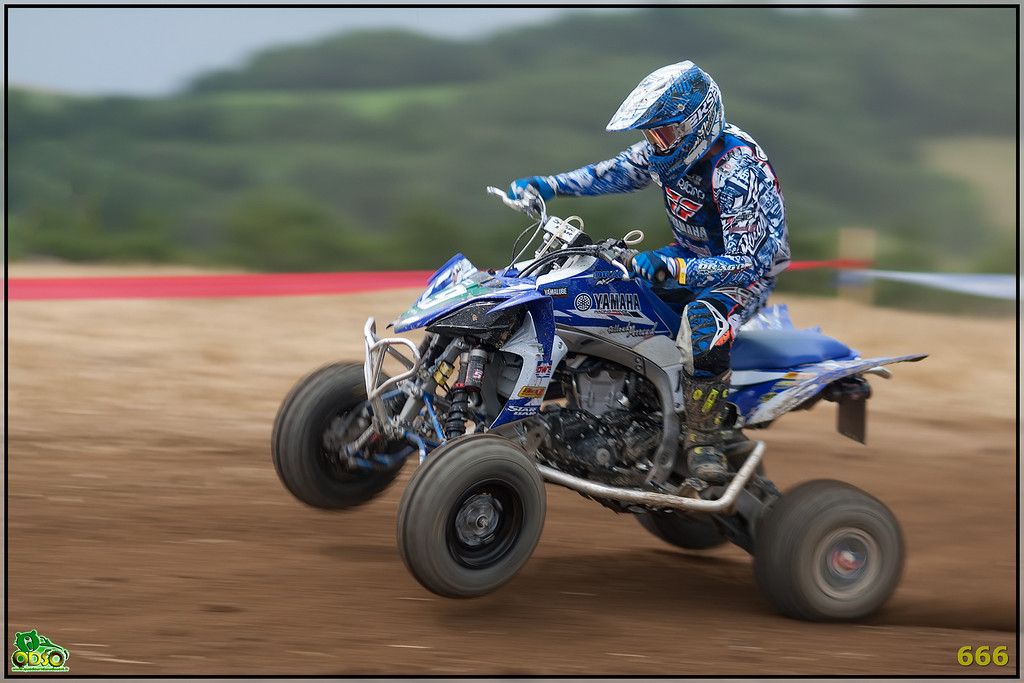 IMAGE: http://photos.corbi.eu/Quad/2012-07-28-La-Motors/Sport/i-SN3XTr2/0/XL/B0P7249-copie-XL.jpg