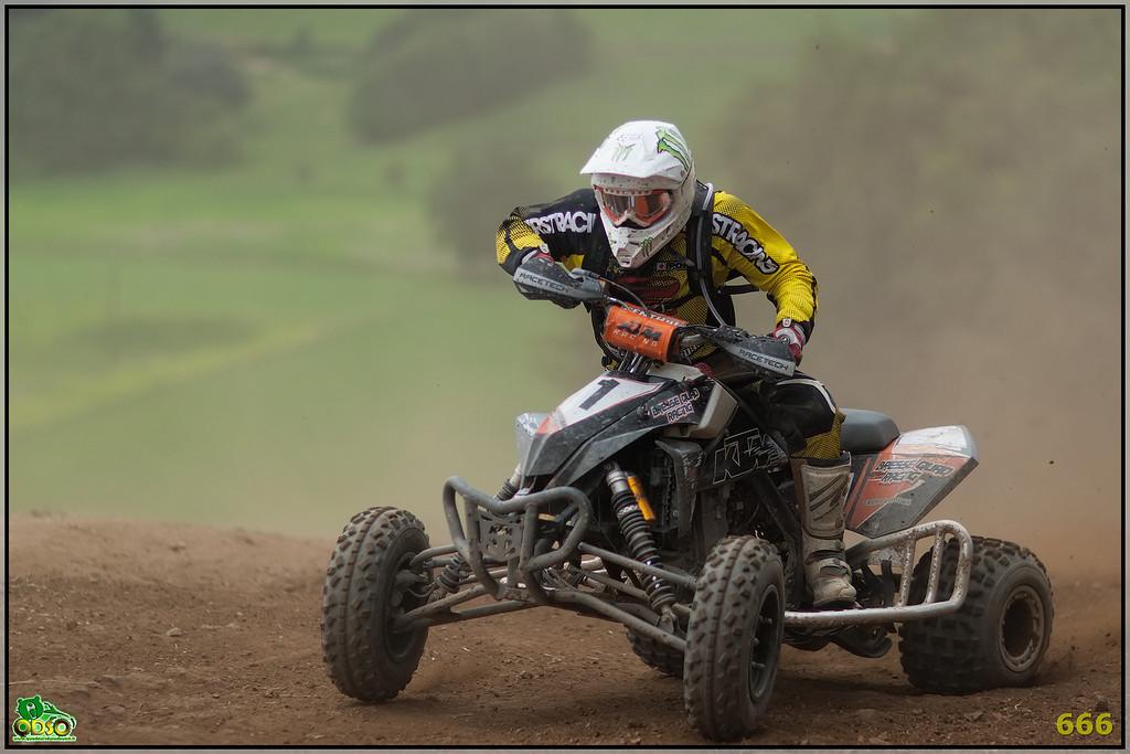 IMAGE: http://photos.corbi.eu/Quad/2012-07-28-La-Motors/Sport/i-ZWLDBMn/0/XL/B0P7341-copie-XL.jpg