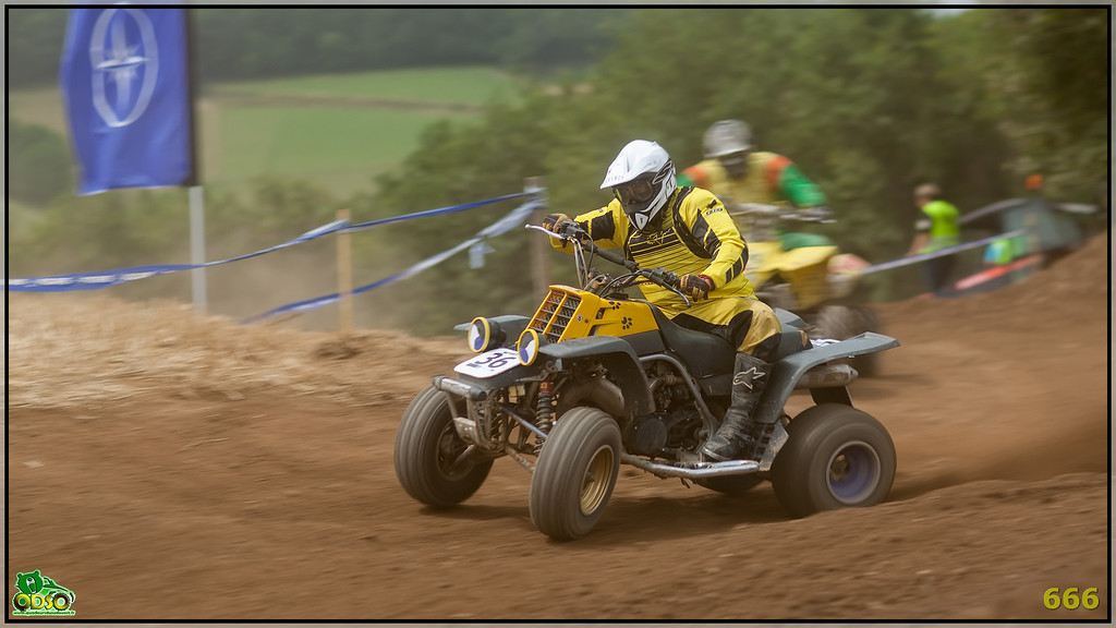 IMAGE: http://photos.corbi.eu/Quad/2012-07-28-La-Motors/Sport/i-bRPCFB5/0/XL/B0P7157-copie-XL.jpg