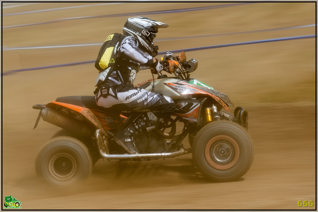 IMAGE: http://photos.corbi.eu/Quad/2012-07-28-La-Motors/Sport/i-t7mj3dx/0/XL/B0P6789-copie-XL.jpg