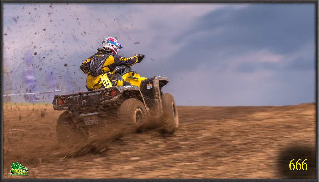 IMAGE: http://photos.corbi.eu/Quad/La-Motors-2014/Baroudeurs/Teaser/i-8vXWGHw/0/XL/ER8T4994%20copie-XL.jpg