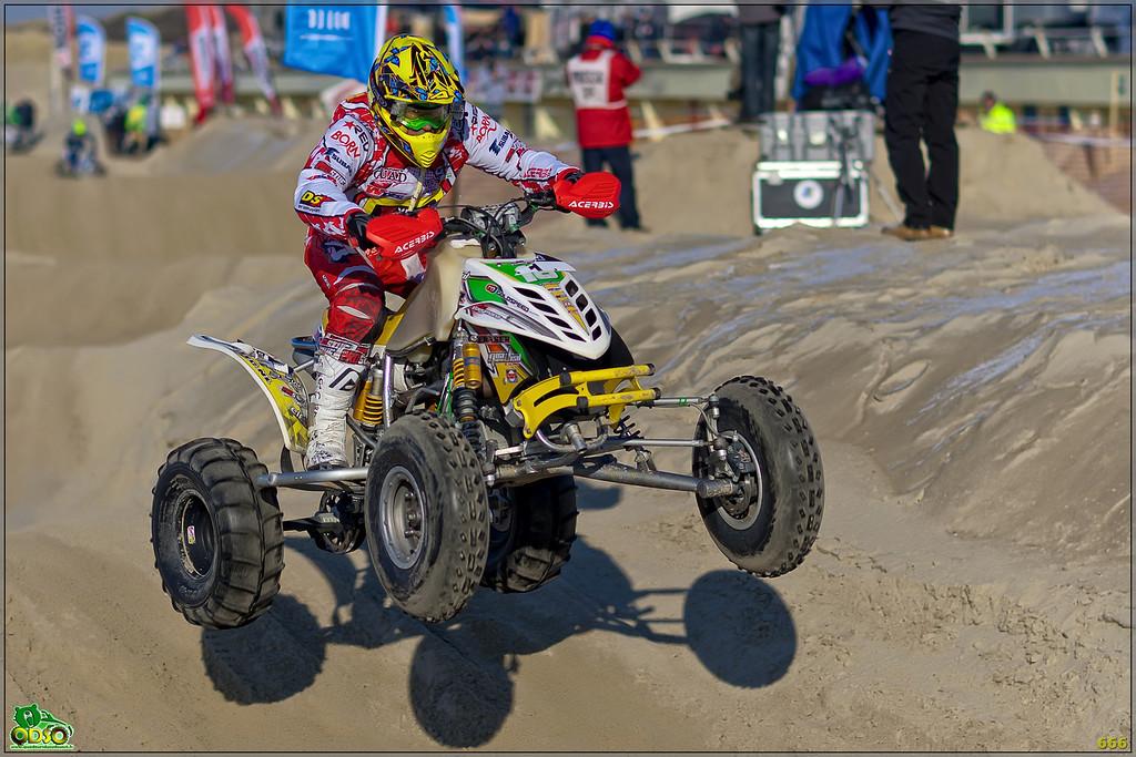IMAGE: http://photos.corbi.eu/Quad/Le-Touquet-2012/Best-Of-2012/i-4jX3p5Z/0/XL/B0P6692-copie-XL.jpg