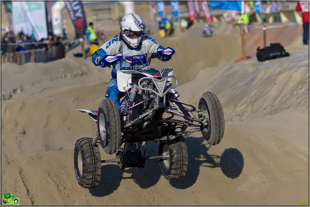 IMAGE: http://photos.corbi.eu/Quad/Le-Touquet-2012/Best-Of-2012/i-ckWwJ88/0/XL/B0P6770-copie-XL.jpg