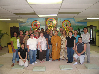 Student visitors from Upper Iowa University led by Ms. Carmen, who stands next to the left of Abbot Thích Nguyên Thông.