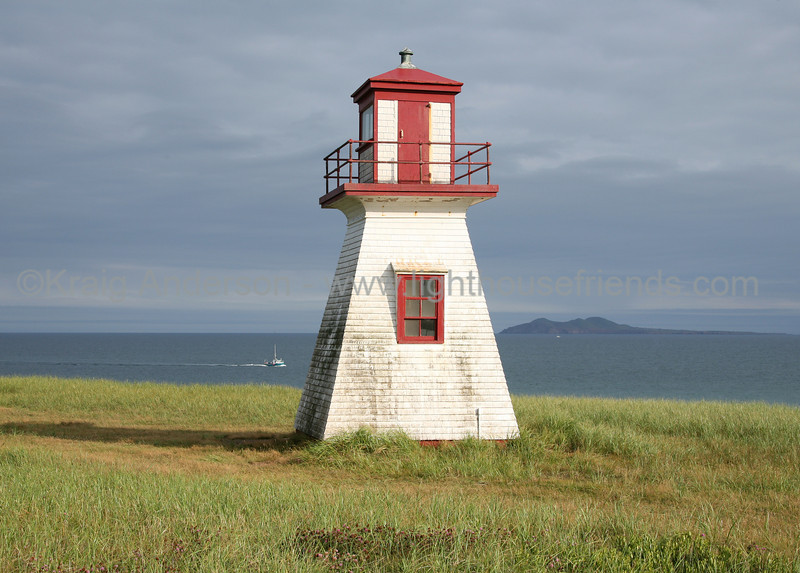 Cap-Alright Lighthouse
