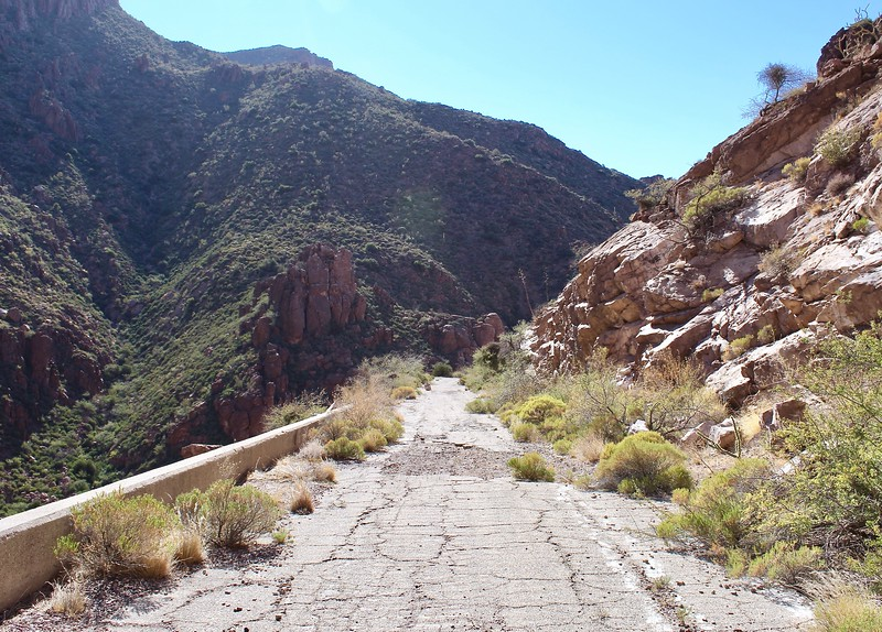 Old Highway 60 in Queen Creek Canyon (2017)