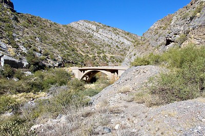 Original Queen Creek bridge along old Highway 60 (2017)