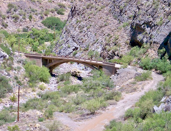 Original Queen Creek bridge along old Highway 60 (2009)