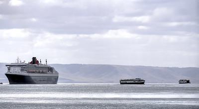 QM2 plus ferries