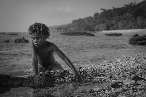 Vanuatu, Tanna, Enefa, Girl on Beach