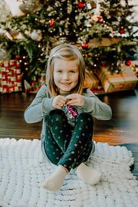 00743--©ADHphotography2018--ClaflinDaycare--ChristmasMini--December7