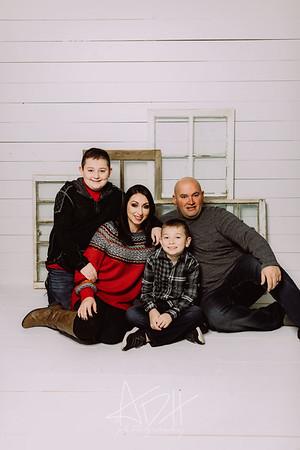 00005-©ADHPhotography2019--Bradley--ChristmasFarmhouseMini--December14